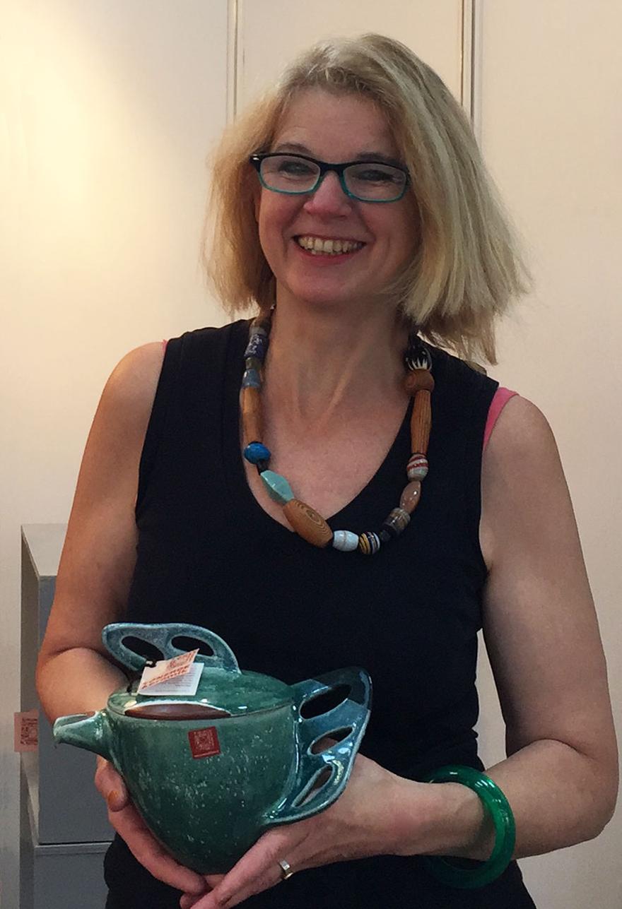 Renate Karacsonyi aus der KeramikARTelier